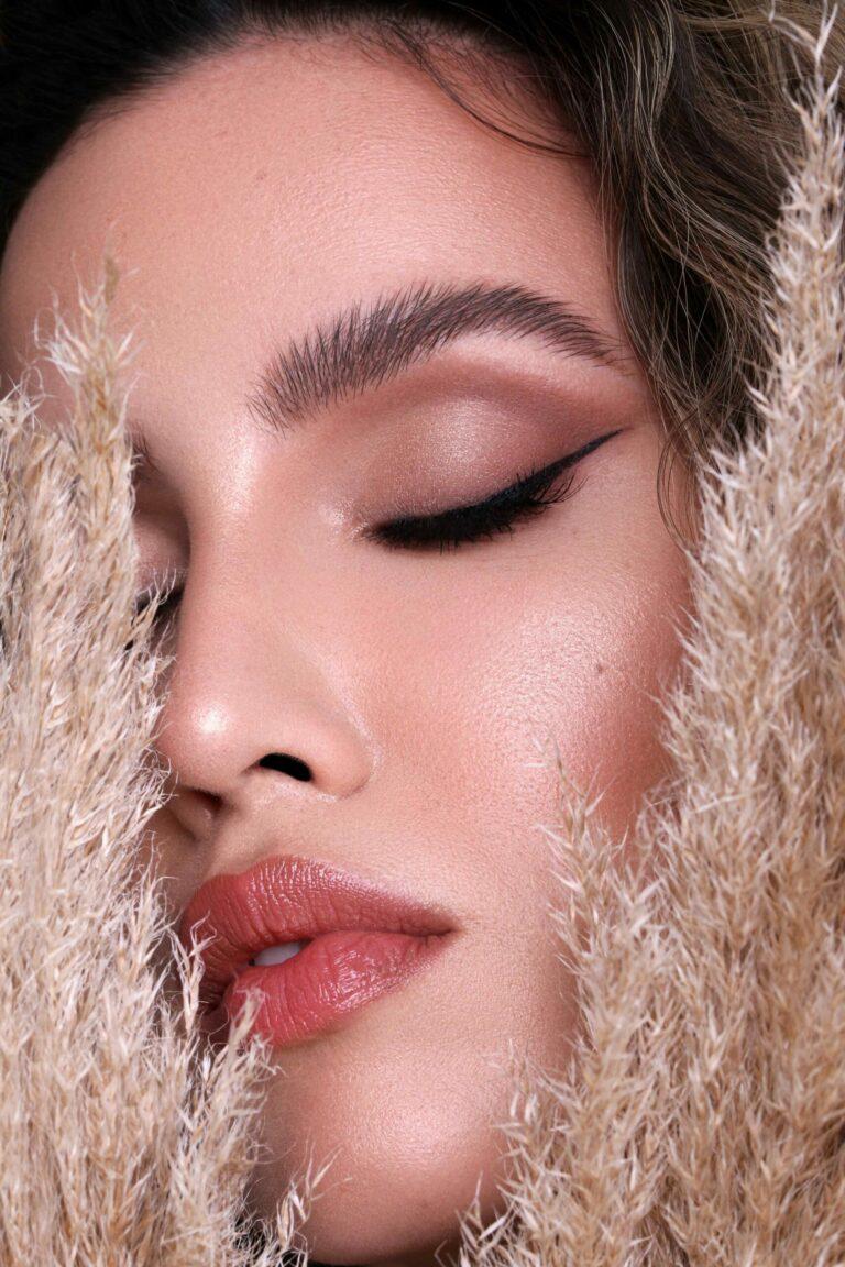 Online Make-up Kurs Look: Alexandra Fonsatti Sculpted Glam Makeup